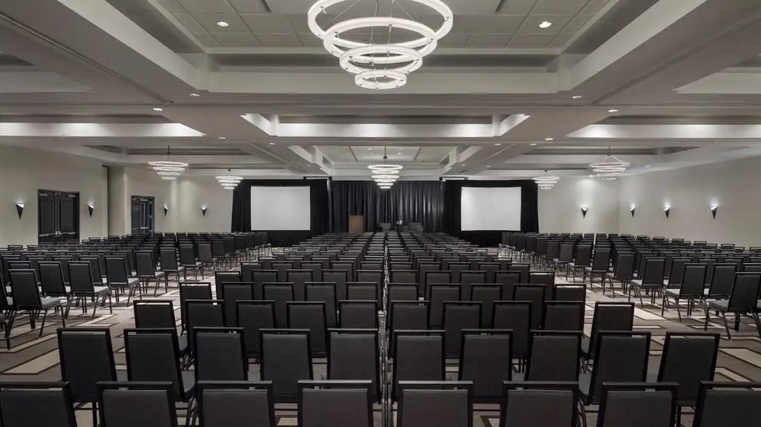 Hilton Boston/Woburn Conference Room